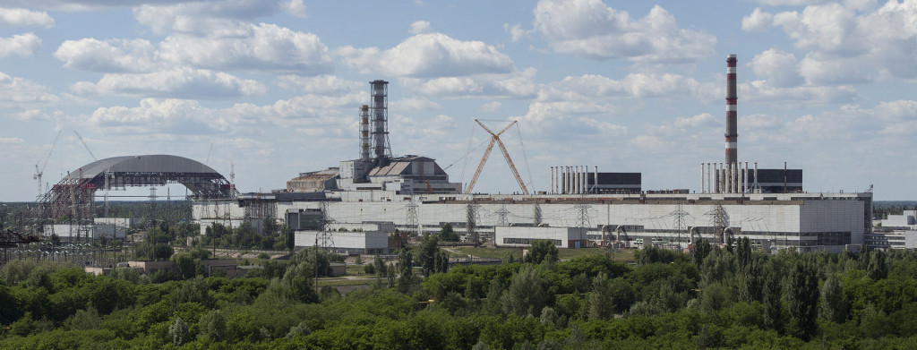 1920px-Chernobyl_NPP_Site_Panorama_with_NSC_Construction_-_June_2013